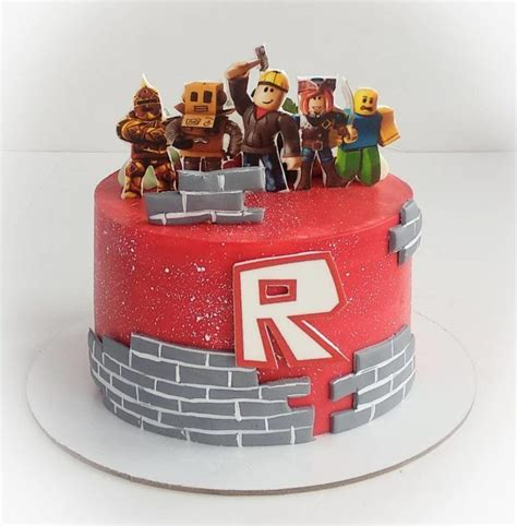27 Best Roblox Cake Ideas for Boys & Girls (These Are ... - roblox cute girl roblox cake for girls